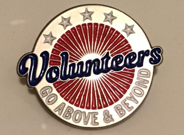 volunteer-comittee-pin
